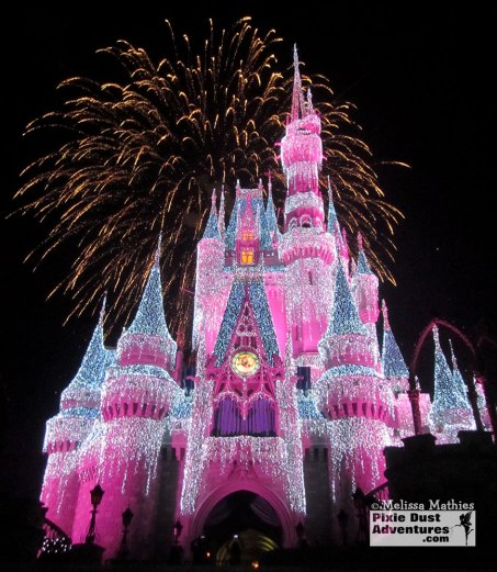 Christmas_Magic_Kingdom_Castle